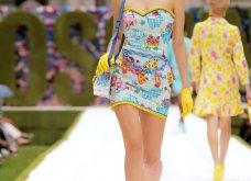 Η νέα κολεξιόν της Moschino - ωδή στα 90ς: Παιχνιδιάρικη διάθεση, παστέλ & outfits με επιρροή από την θρυλική «Νταντά» (φωτό & βίντεο) - Κυρίως Φωτογραφία - Gallery - Video 31