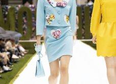Η νέα κολεξιόν της Moschino - ωδή στα 90ς: Παιχνιδιάρικη διάθεση, παστέλ & outfits με επιρροή από την θρυλική «Νταντά» (φωτό & βίντεο) - Κυρίως Φωτογραφία - Gallery - Video 32