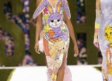 Η νέα κολεξιόν της Moschino - ωδή στα 90ς: Παιχνιδιάρικη διάθεση, παστέλ & outfits με επιρροή από την θρυλική «Νταντά» (φωτό & βίντεο) - Κυρίως Φωτογραφία - Gallery - Video 45