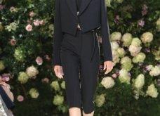 Ρομαντική η νέα κολεξιόν του Michael Kors: Τα λαμπερά, μαύρα φορέματα της Gigi & της Kendall, τα γαλάζια ή ροζ σύνολα (φωτό & βίντεο) - Κυρίως Φωτογραφία - Gallery - Video 25