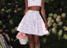 Ρομαντική η νέα κολεξιόν του Michael Kors: Τα λαμπερά, μαύρα φορέματα της Gigi & της Kendall, τα γαλάζια ή ροζ σύνολα (φωτό & βίντεο) - Κυρίως Φωτογραφία - Gallery - Video 33