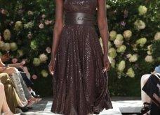 Ρομαντική η νέα κολεξιόν του Michael Kors: Τα λαμπερά, μαύρα φορέματα της Gigi & της Kendall, τα γαλάζια ή ροζ σύνολα (φωτό & βίντεο) - Κυρίως Φωτογραφία - Gallery - Video 20