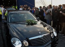 Η κηδεία του Μίκη Θεοδωράκη: Πού πέταξε το αγόρι μου, πού πήγε, που μ' αφήνει; Mαλλιά σγουρά που πάνω τους, τα χέρια μου περνούσα (φωτό - βίντεο) - Κυρίως Φωτογραφία - Gallery - Video