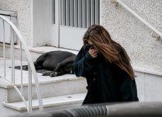 Συγκλονιστικές οι εικόνες έξω από το σπίτι του Μίκη Θεοδωράκη: Βουβός ο πόνος - Με χειροκροτήματα τον αποχαιρέτησαν συγγενείς & φίλοι  - Κυρίως Φωτογραφία - Gallery - Video 8