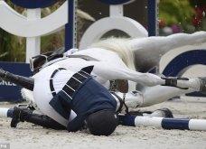 Παρολίγον μοιραία η πτώση της Αθηνάς Ωνάση από το άλογό της που σκοτώθηκε - Βίντεο και συγκλονιστικές φωτό από το τραγικό συμβάν της «χρυσής» κληρονόμου - Κυρίως Φωτογραφία - Gallery - Video 5