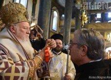 Γιώργος Μπαμπινιώτης: Αποκλ. φωτό - Ο Πατρ. Βαρθολομαίος τον χειροθέτησε στο οφφίκιο του Άρχοντος Διδασκάλου του Γένους  - Κυρίως Φωτογραφία - Gallery - Video