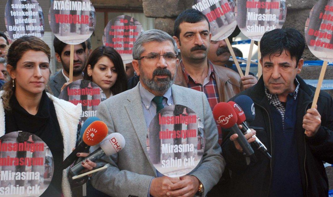 Τα βίντεο που σοκάρουν τον πλανήτη: Η άγρια δολοφονία του Κούρδου δικηγόρου μπροστά στις κάμερες - Κυρίως Φωτογραφία - Gallery - Video
