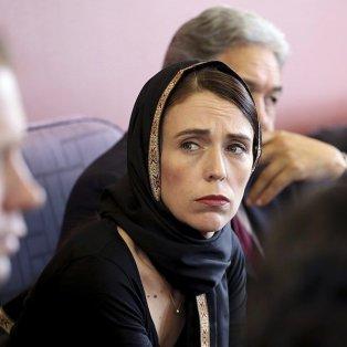 Με μουσουλμανική μαντίλα η Πρωθυπουργός της Νέας Ζηλανδίας μετά το μακελειό με τους 50 νεκρούς - Φωτό: Getty Images - Κυρίως Φωτογραφία - Gallery - Video