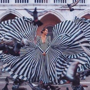 Φώτο ημέρας το απίθανο κλικ της @hobopeeba: Εκεί που η μόδα συναντά την τέχνη της φωτογραφίας! - Κυρίως Φωτογραφία - Gallery - Video