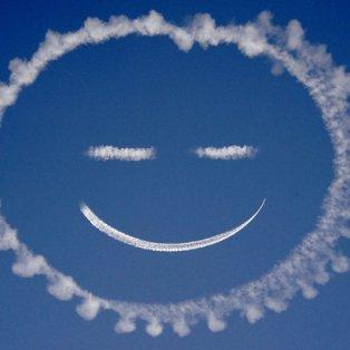 23/3/2015 - Εντυπωσιακή φωτό με τον ουρανό να μας ''χαμογελάει'' & να μας εύχεται καλή εβδομάδα! Picture: ZUMA/REX - Κυρίως Φωτογραφία - Gallery - Video