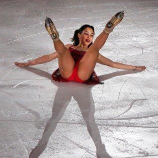 31/3/2015 - Στοπ καρέ από την ''γλυκιά'' τούμπα της Elizaveta Tuktamysheva από την Ρωσία στο Παγκόσμιο Πρωτάθλημα Skating! Picture: AP Photo/Ng Han Guan - Κυρίως Φωτογραφία - Gallery - Video