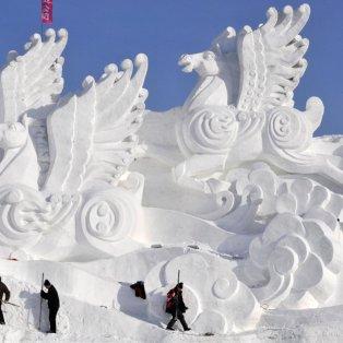 22/12/2014 - Εκπληκτική εικόνα από το ετήσιο Φεστιβάλ Πάγου και Χιονιού στην Κίνα - Φαντασμαγορικές δημιουργίες από μοναδικούς καλλιτέχνες! - Κυρίως Φωτογραφία - Gallery - Video
