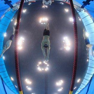 15/4/2015 - Εντυπωσιακή φωτό από την βουτιά του Nicholas Grainger στα 400 μέτρα ελεύθερου κολύμπι για το Βρετανικό πρωτάθλημα! Picture: Clive Rose/Getty Images  - Κυρίως Φωτογραφία - Gallery - Video