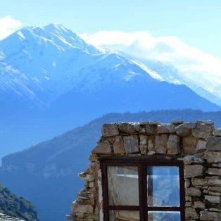 Συρράκο: Μαγική η θέα στο χιονισμένο χωριό των Ιωαννίνων – Φώτο: @elena_mpriniou [Δείτε περισσότερα στο madeingreece.news]  - Κυρίως Φωτογραφία - Gallery - Video