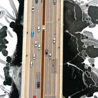 Υπέροχη εικόνα με γέφυρα στην Κίνα να διασχίζει τον παγωμένο ποταμό Hunhe- Photo: Costfoto / Barcroft Media - Κυρίως Φωτογραφία - Gallery - Video