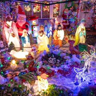 Σπίτι στο Λονδίνο έβαλε τα γιορτινά του και φωτίζει όλη τη γειτονιά Χριστουγεννιάτικα - Photo: Dominic Lipinski / PA - Κυρίως Φωτογραφία - Gallery - Video