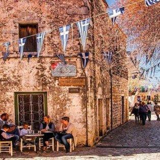 Αρεόπολη Λακωνίας: Φιλικοί άνθρωποι & χαλαρές στιγμές σε ένα γαλήνιο τοπίο –  (Φωτό: @peloponnese_gr) [Δείτε περισσότερα στο madeingreece.news] - Κυρίως Φωτογραφία - Gallery - Video
