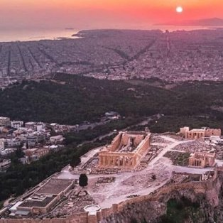 Το απίθανο ηλιοβασίλεμα της Αθήνας με θέα από ψηλά (Φωτό: @greecelover_gr) [Δείτε περισσότερα στο madeingreece.news] - Κυρίως Φωτογραφία - Gallery - Video