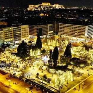 Η Αθήνα φόρεσε τα γιορτινά της – Απολαύστε την από ψηλά σε μία… Χριστουγεννιάτικη λήψη! - Φώτο: @miltoskamb [Δείτε περισσότερα στο madeingreece.news]    - Κυρίως Φωτογραφία - Gallery - Video
