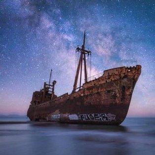 Γύθειο Λακωνίας: Μία μοναδική νυχτερινή φωτογραφική λήψη με φόντο τα αστέρια (Φωτό: @peloponnese_gr) [Δείτε περισσότερα στο madeingreece.news] - Κυρίως Φωτογραφία - Gallery - Video
