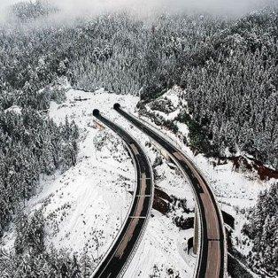 Ακόμη και η Εγνατία Οδός στα Ιωάννινα χιονισμένη μοιάζει με όνειρο – Απίθανη λήψη - Φώτο:@vaggelischousos [Δείτε περισσότερα στο madeingreece.news]    - Κυρίως Φωτογραφία - Gallery - Video