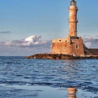 Χανιά: Όλο το μπλε της θάλασσας σε μία φωτογραφία - Εικόνα: @reasonstovisitgreece [Δείτε περισσότερες φωτογραφίες στο madeingreece.news]  - Κυρίως Φωτογραφία - Gallery - Video