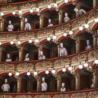 Διάσημοι σεφ στην ετήσια γιορτή τους στο θέατρο Μπελίνι στην Ιταλία - Φώτο: Fabrizio Villa/Getty Images - Κυρίως Φωτογραφία - Gallery - Video