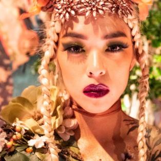 Κινέζικη Πρωτοχρονιά: Χορεύτρια στον εορτασμό της χρονιάς του ποντικού ποζάρει με στολή που θυμίζει λουλούδι - Photo: ALEX LLOYD - Κυρίως Φωτογραφία - Gallery - Video
