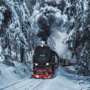 """Φωτό ημέρας: """"Το Πολικό Εξπρές"""" – Ένα μαγευτικό χιονισμένο κλικ/  Photo: Instagram - @_marcelsiebert - Κυρίως Φωτογραφία - Gallery - Video"""