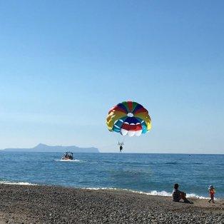 Καλοκαίρι σημαίνει παιχνίδια στην άμμο, στην θάλασσα αλλά... και στον αέρα! - Κυρίως Φωτογραφία - Gallery - Video