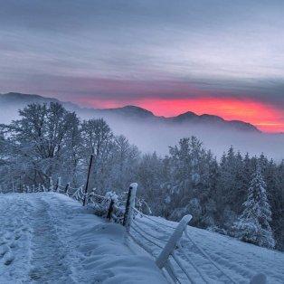 Φωτό ημέρας: Η φύση στα καλύτερά της στην Αυστρίας- Το λευκό του χιονιού & τα υπέροχα χρώματα του ουρανού/ Photo: Christian Majcen/ Instagram  - Κυρίως Φωτογραφία - Gallery - Video