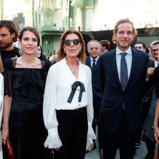 Οι πριγκίπισσες του Μονακό και η Πρώτη Κυρία, Μπριζίτ Μακρόν έλαμψαν πλάι στα μοντέλα σε πάρτι του Οίκου Chanel - Bertrand Rindoff Petroff / Getty Images  - Κυρίως Φωτογραφία - Gallery - Video