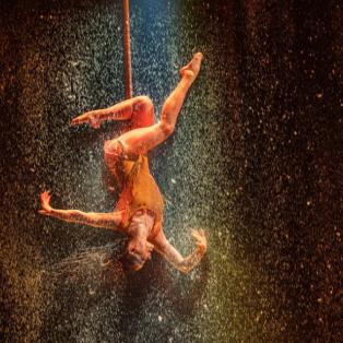 Φαντασμαγορικό υπερθέαμα από καλλιτέχνιδα σε show στο Royal Albert Hall στην Αγγλία - Photo:KATIA OGRIN / EMPICS ENTERTAINMENT - Κυρίως Φωτογραφία - Gallery - Video