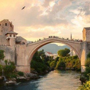 Φωτό ημέρας: Ταξίδι στην Mostar, την πόλη - παραμύθι στην Βοσνία και Ερζεγοβίνη/@emmett_sparling - Κυρίως Φωτογραφία - Gallery - Video