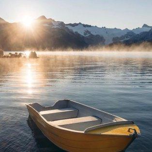 Φωτό ημέρας το ξημέρωμα στην λίμνη Garibaldi του Καναδά - ηρεμία & γαλήνη στο κλικ του @emmett_sparling - Κυρίως Φωτογραφία - Gallery - Video