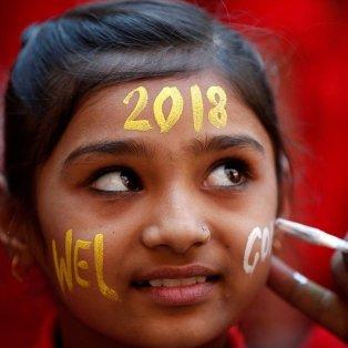 Πάντα η ελπίδα αντικατοπτρίζεται σε ένα παιδικό χαμόγελο, σε σχολείο στο Αχμενταμπάντ της Ινδίας - Φωτογραφία: REUTERS / AMIT DAVE - Κυρίως Φωτογραφία - Gallery - Video