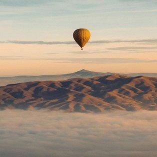 Φώτο ημέρας: «Πετώντας» πάνω από την Καππαδοκία /@emmett_sparling - Κυρίως Φωτογραφία - Gallery - Video
