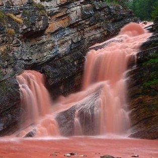 Φωτό ημέρας: Ροζ καταρράκτες - Ένα μαγευτικό μέρος της φύσης/ Photo: Instagram - @fubiz - Κυρίως Φωτογραφία - Gallery - Video