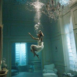 """Φωτό ημέρας: Το υποβρύχιο δωμάτιο που """"κόβει την ανάσα"""" – Ένα συναρπαστικό κλικ/ Photo: Instagram - @fubiz - Κυρίως Φωτογραφία - Gallery - Video"""