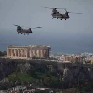 Φώτο ημέρας οι διελεύσεις των μαχητικών αεροσκαφών πάνω από την Ακρόπολη για την επέτειο της 25ης Μαρτίου - Eurokinissi/ Γιώργος Κονταρίνης  - Κυρίως Φωτογραφία - Gallery - Video