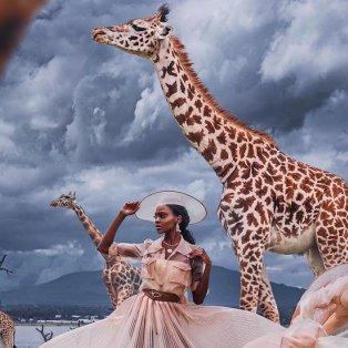 Φωτό ημέρας: Ένα απίθανο κλικ στην Κένυα - Η μόδα συναντά την άγρια ζωή/@hobopeeba - Κυρίως Φωτογραφία - Gallery - Video