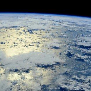 04/12/2014 - Η συννεφιασμένη Γη από το διάστημα σε φωτογραφία της Σαμάνθα Κριστοφορέτι, από τον Διεθνή Διαστημικό Σταθμό! PHOTO:TWITTER - Κυρίως Φωτογραφία - Gallery - Video