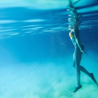 Φωτό ημέρας η υποβρυχια λήψη της Μαρίνας Βερνίκου στα Κουφονήσια...  - Κυρίως Φωτογραφία - Gallery - Video