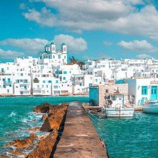 Φωτό ημέρας η Πάρος - όλα στα λευκά και τα μπλε /@adriambaias - Κυρίως Φωτογραφία - Gallery - Video