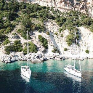 Βάζουμε πλώρη για την καταπληκτική Ιθάκη με τα υπέροχα χρώματα και τα μοναδικά τοπία (Φωτό: Greece By Drone) - Κυρίως Φωτογραφία - Gallery - Video