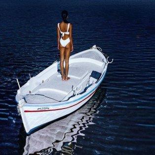 Φωτό ημέρας: Άσπρο και μπλε, τα χρώματα του ελληνικού καλοκαιριού /@kosmaskoumianos - Κυρίως Φωτογραφία - Gallery - Video