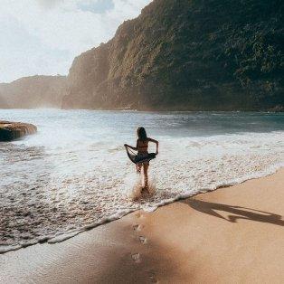 Φώτο ημέρας: Η χρυσή αμμουδιά στο νησί Penida της Ινδονησίας, περιμένοντας το καλοκαίρι!/ @kylevollaers - Κυρίως Φωτογραφία - Gallery - Video