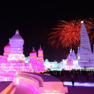 Εγκαίνια στο Διεθνές Φεστιβάλ Χιονιού και Πάγου και... η νύχτα γίνεται μέρα στην πόλη Χαρμπίν της Κίνας - Φωτογραφία: EPA / WU HONG - Κυρίως Φωτογραφία - Gallery - Video