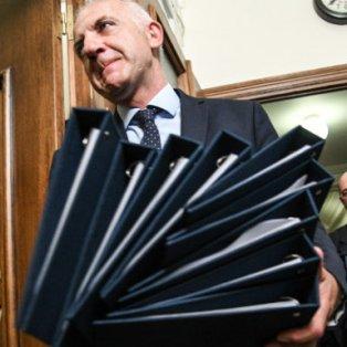 Φωτό Ημέρας τα ντοσιέ του Μητσοτάκη  - Δώρο για τους υπουργούς του - EUROKINISSI/ΜΙΧΑΛΗΣ ΚΑΡΑΓΙΑΝΝΗΣ - Κυρίως Φωτογραφία - Gallery - Video