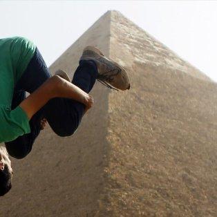 10/12/2014 - Το πιο extreme παρκούρ που έχετε δει! Στις πυραμίδες της Γκίζας πλάι στους Φαραώ! - Κυρίως Φωτογραφία - Gallery - Video